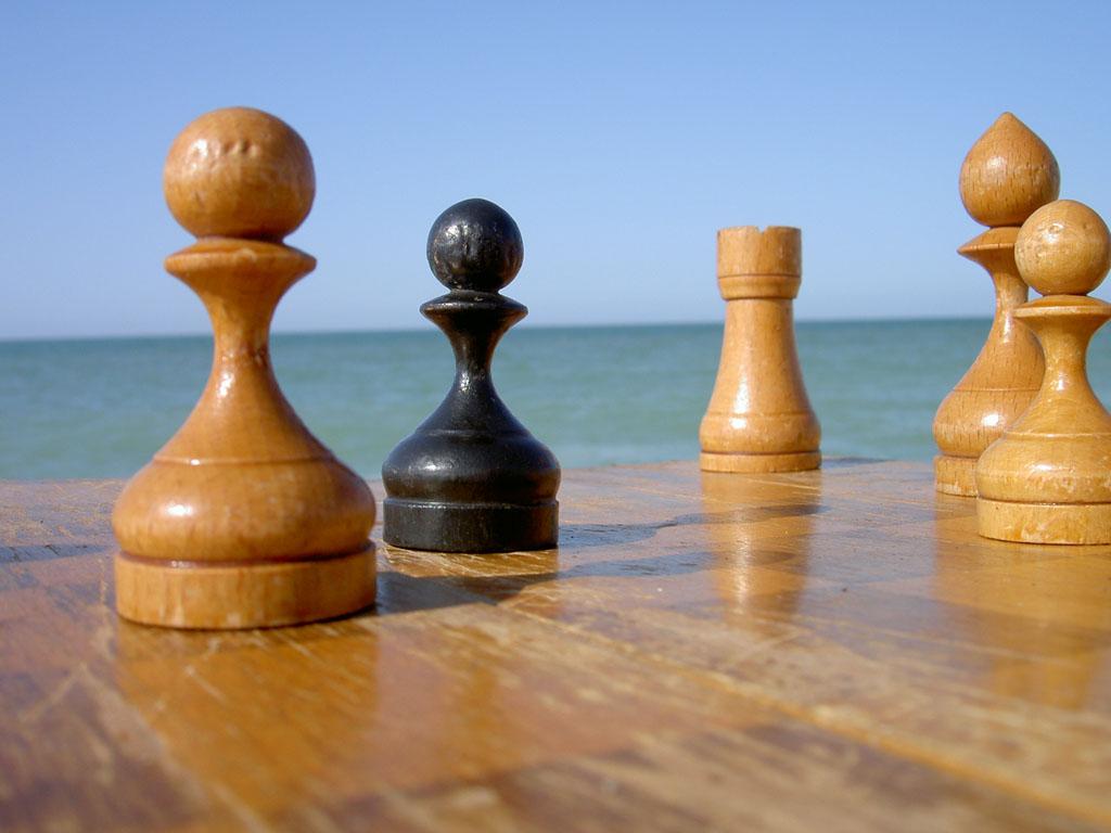 Шахматы у моря