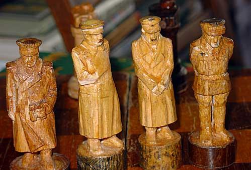 Шахматы из табуретки
